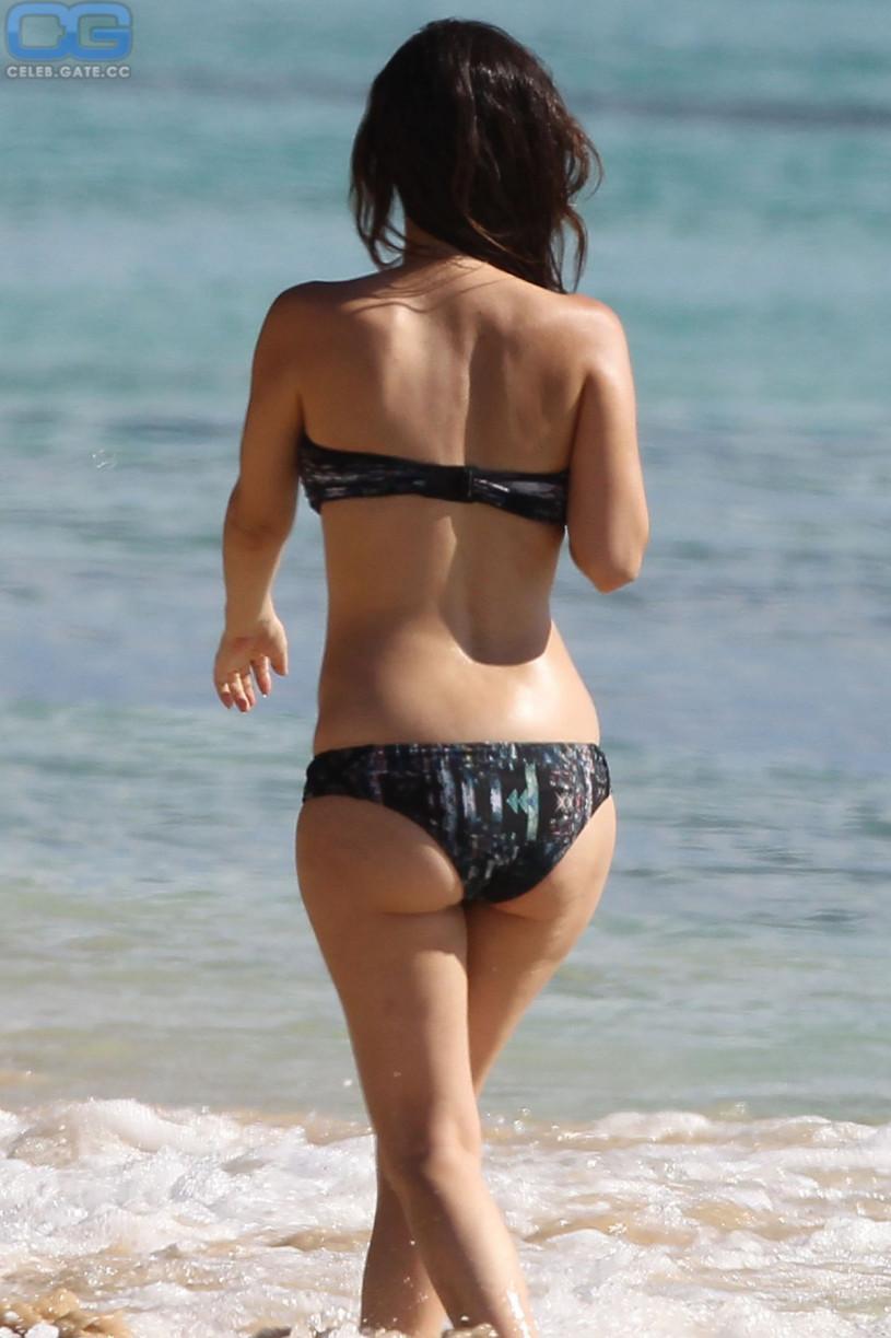 Rachel bilson topless beach