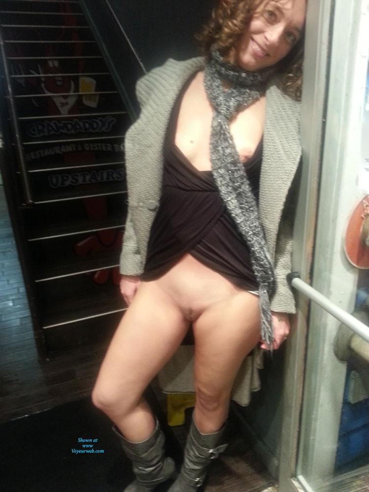 Amateur wife public exhibitionist sex pictures