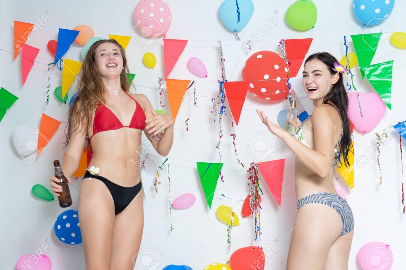 Hot girls bikini contest