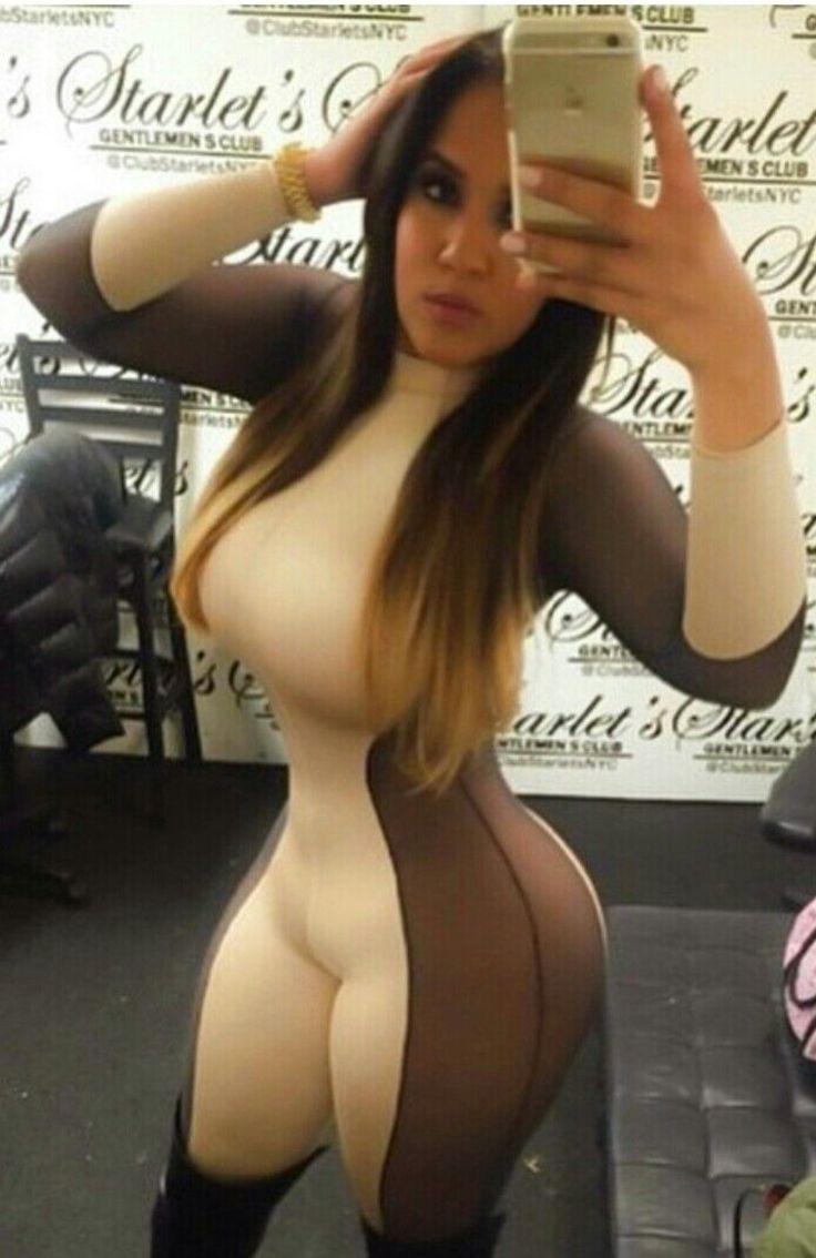 Curvy women nude selfies