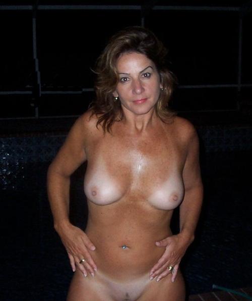 Hot milfs posing nude