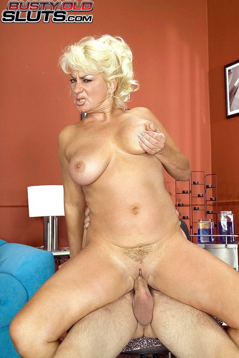 Blonde milf dana hayes