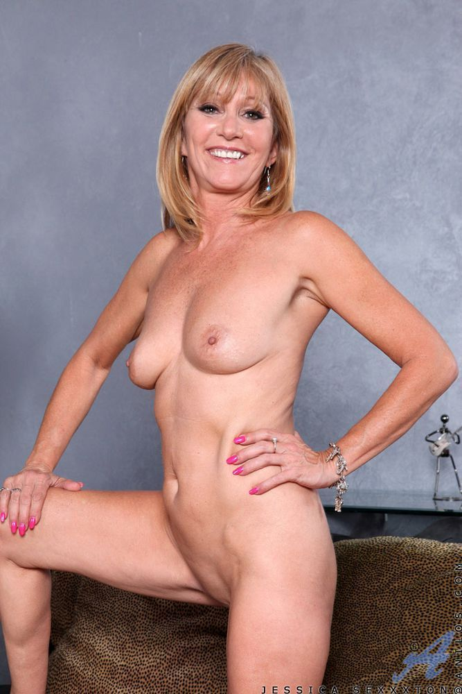 Mature hot bitches naked