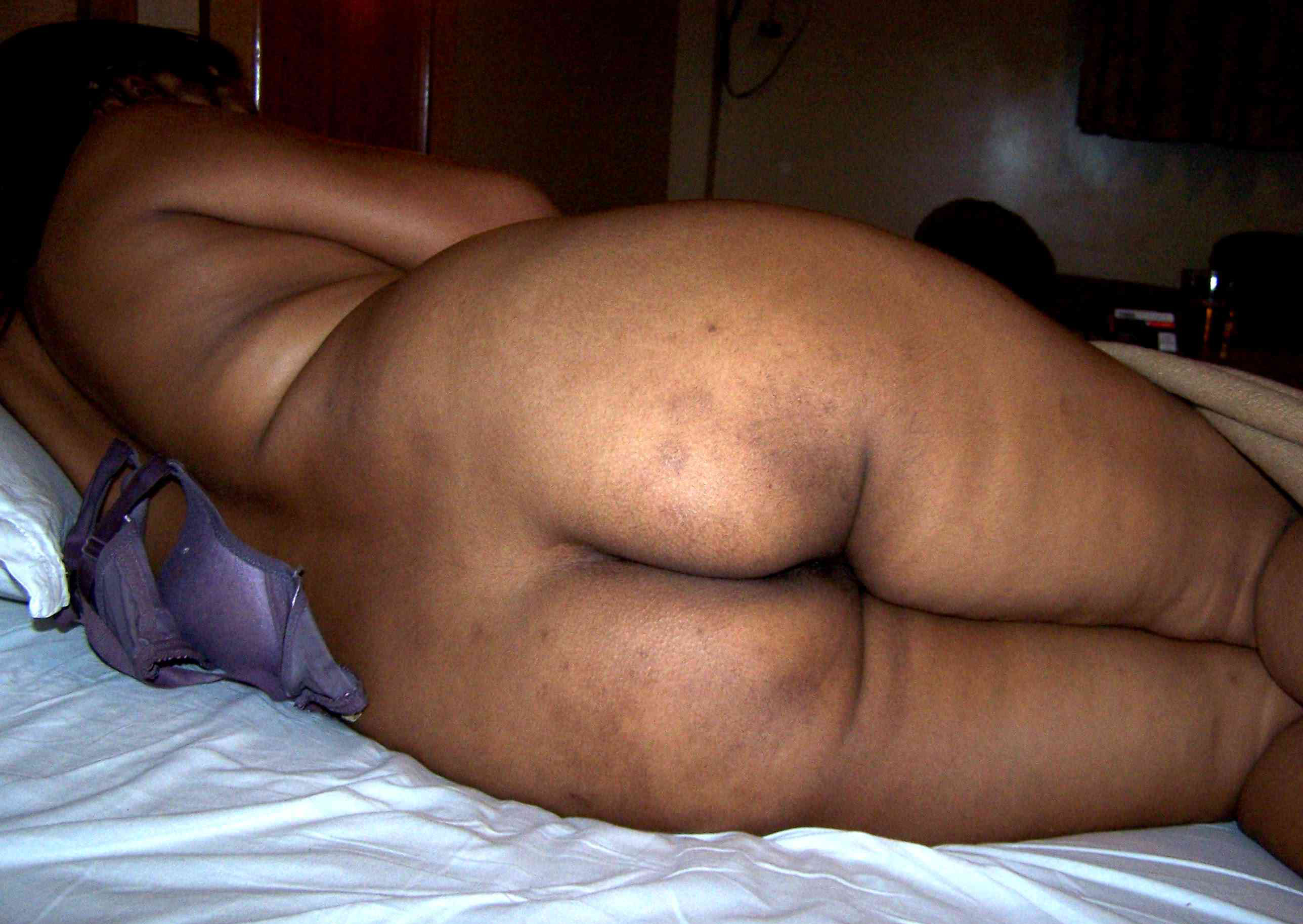 Big ass indian showing porn images