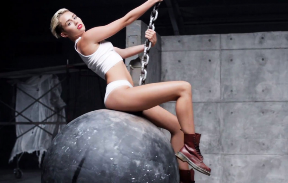 Miley cyrus naked wrecking ball