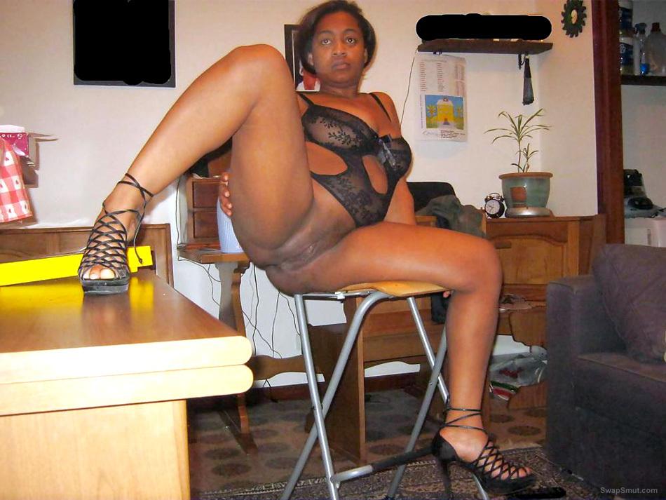 Sexy black milfs spread sexy pussy