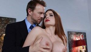 Fit nude women met art