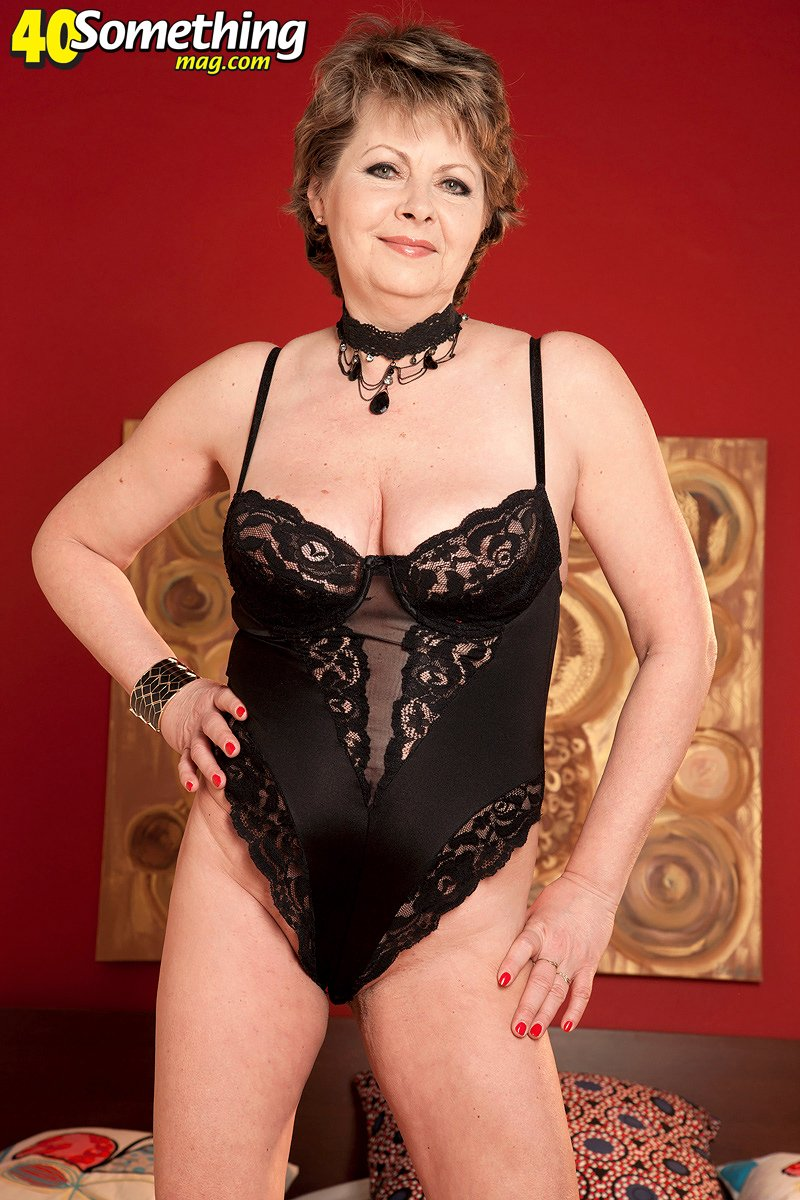 Milf bbw lingerie photo