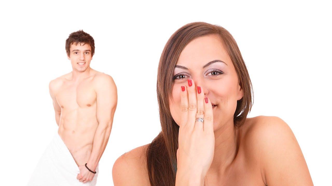A girl look the man nude panis
