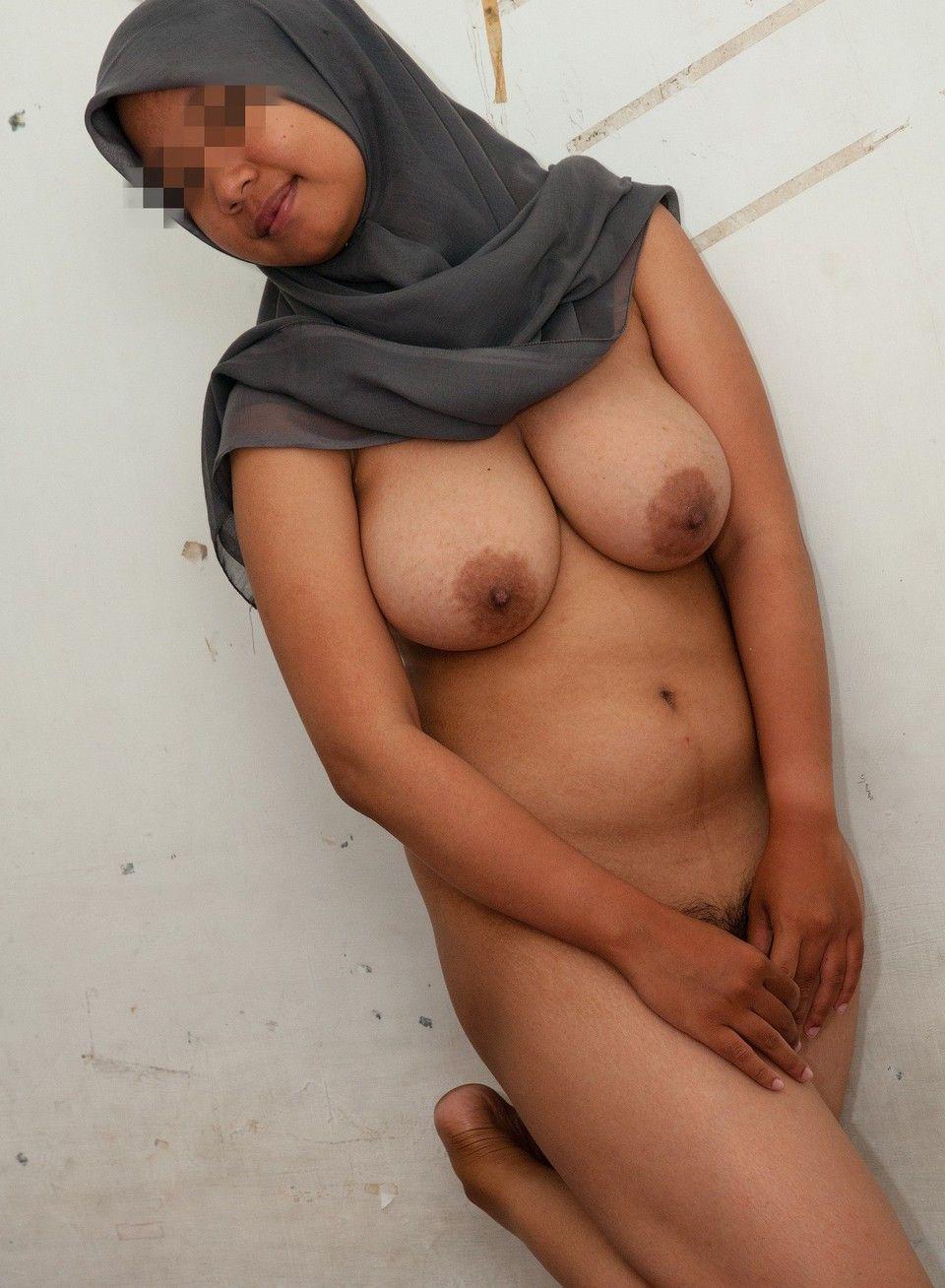 Amateur muslim nude girls