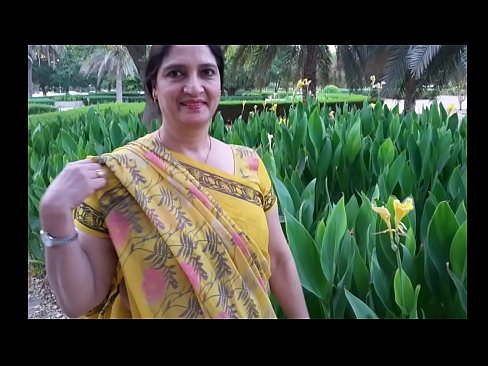 Mom sex story in hindi