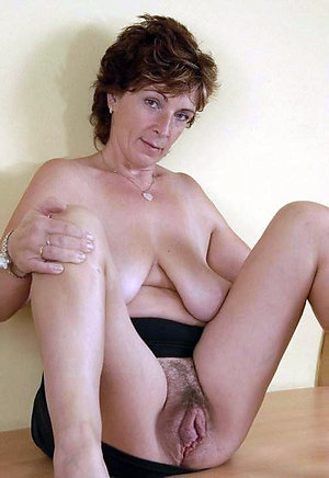 Naked high res mature nudes