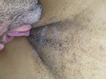 Eat my cum from her
