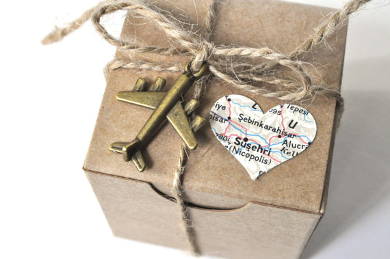 Wedding party favors box