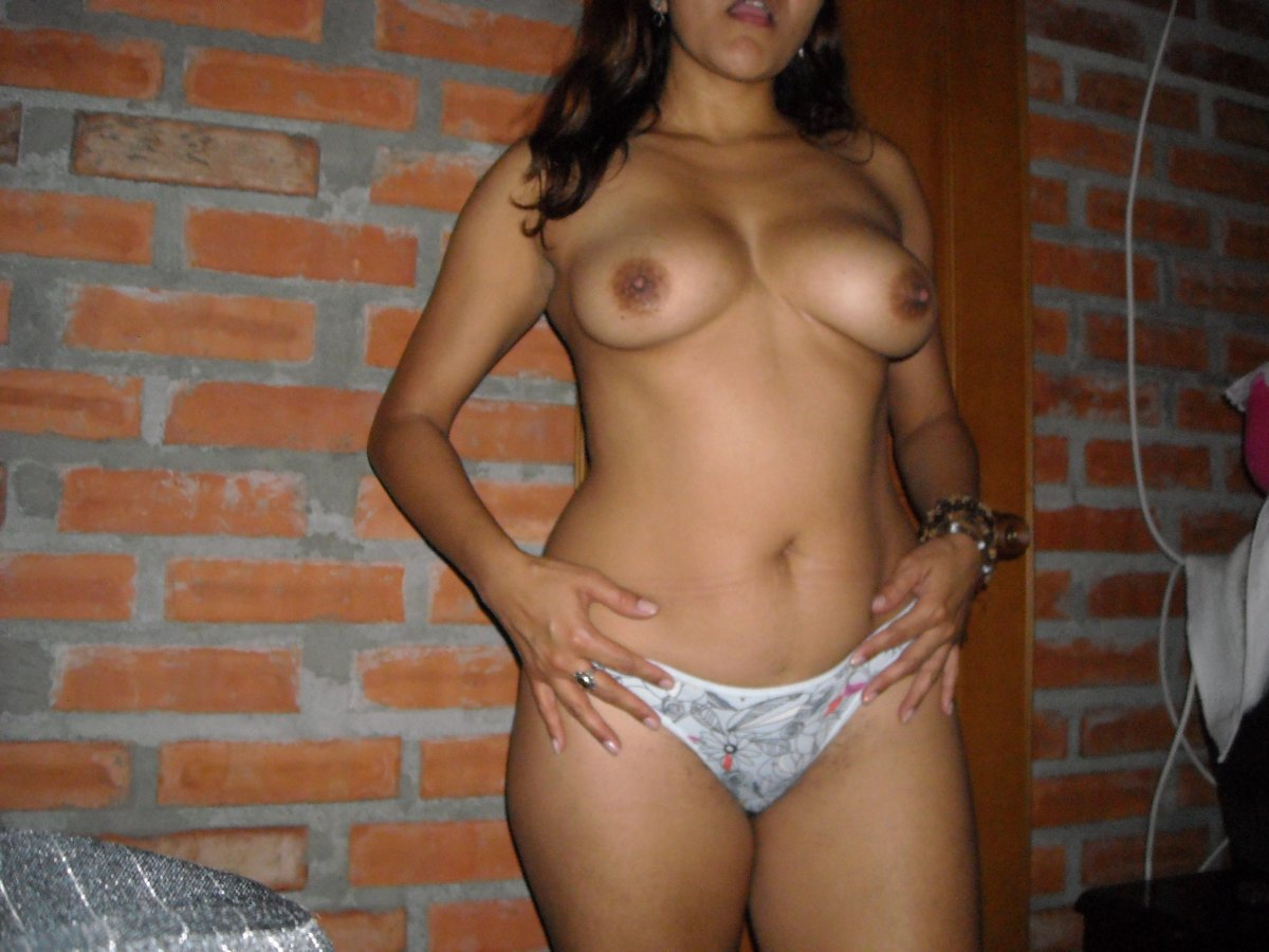 Colombian amateur nude womens