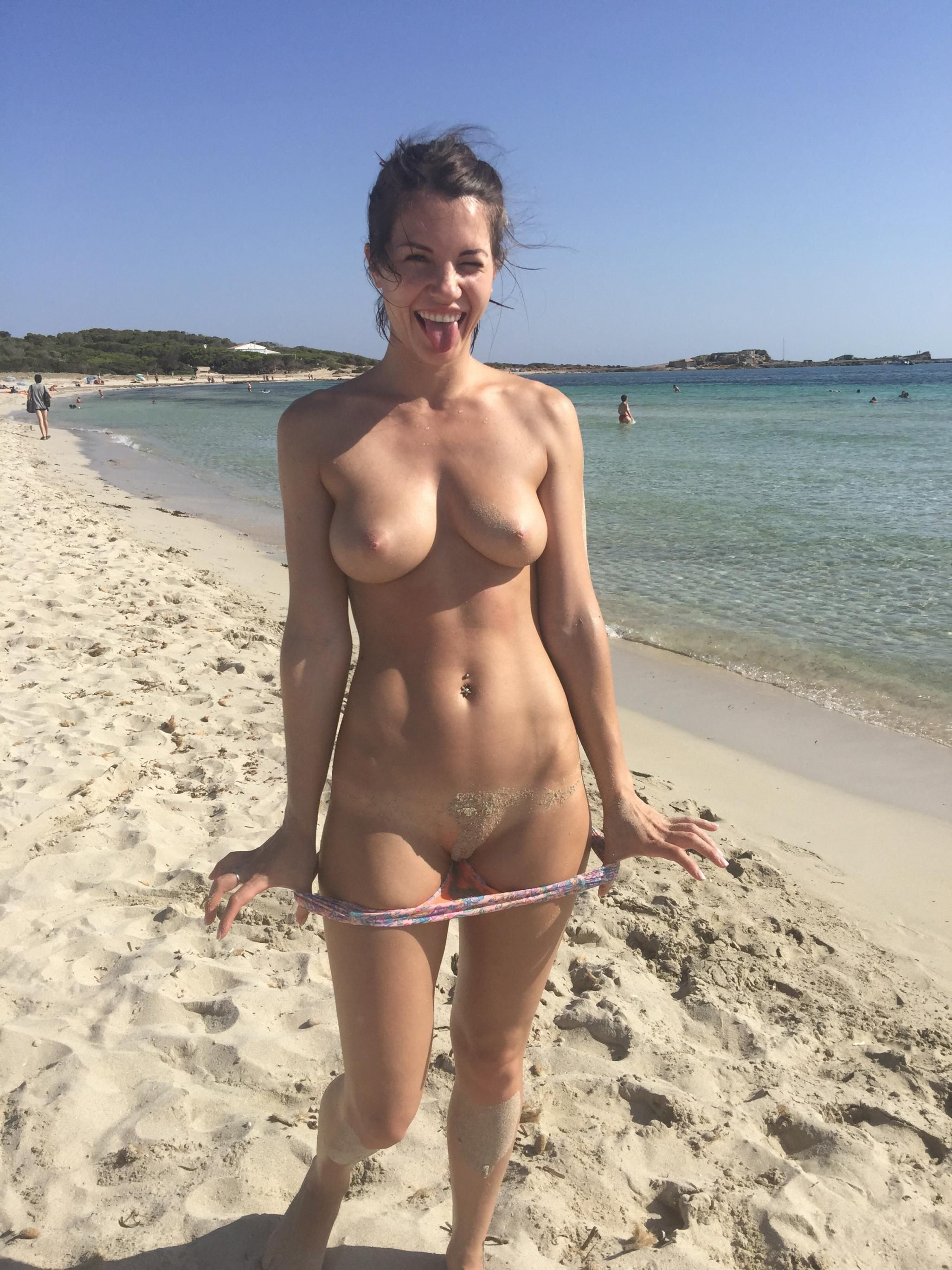 Blogger bondage breast gallery beach