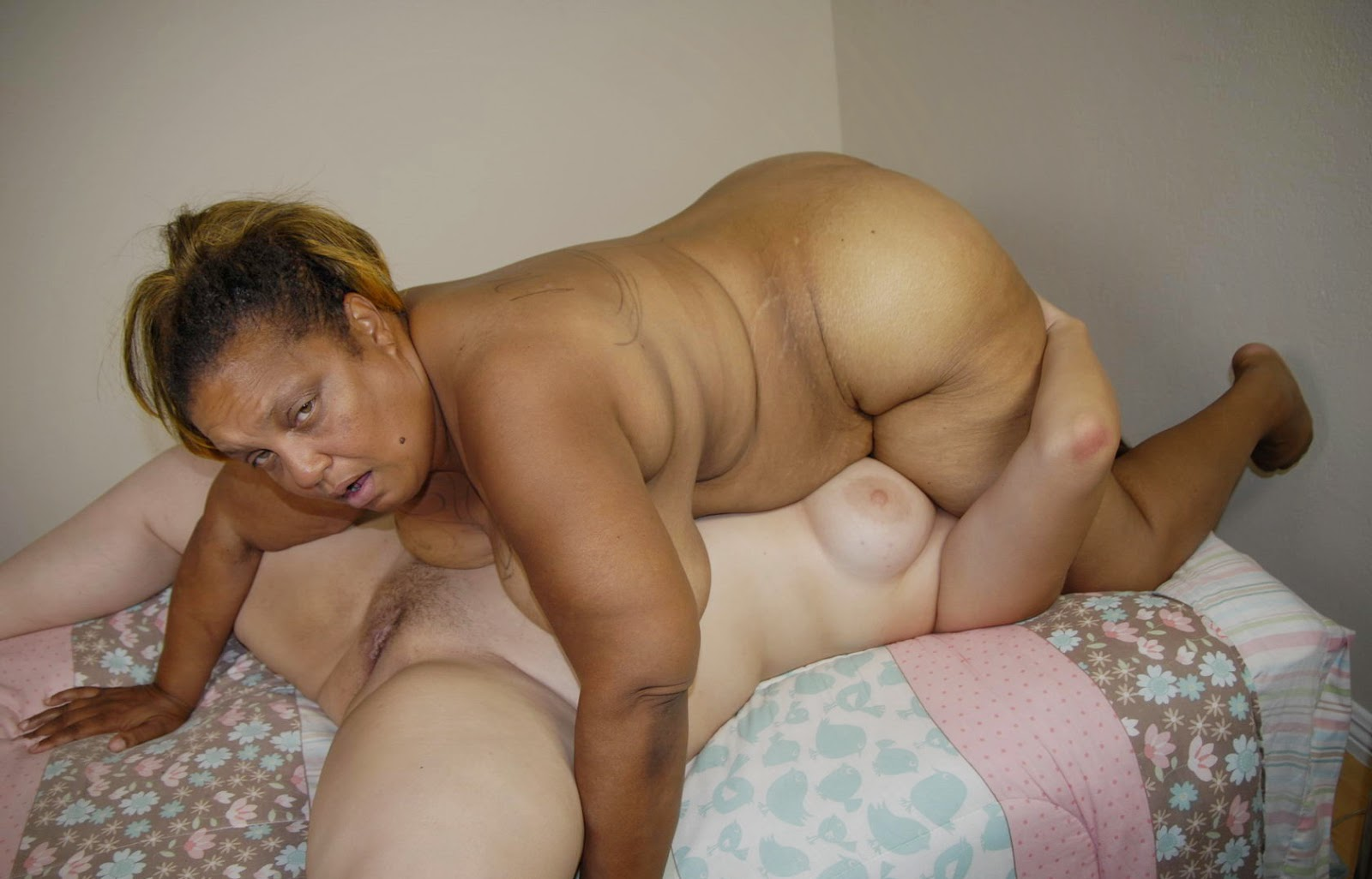 Black granny pussy and ass