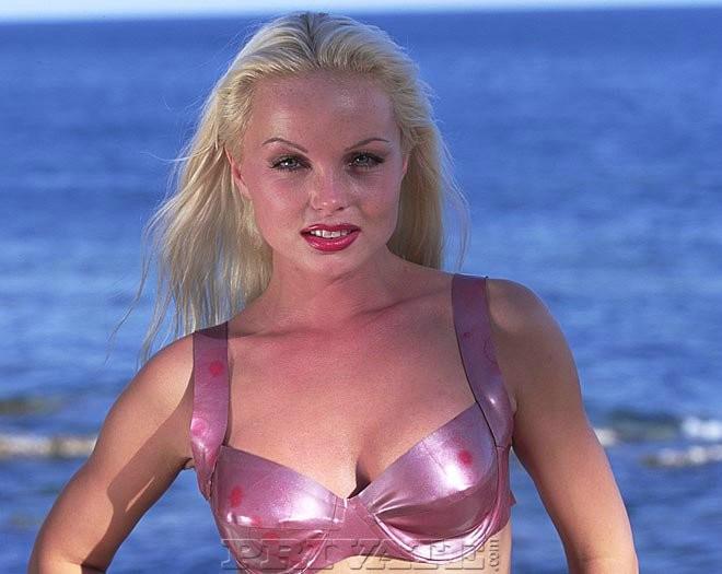 Sylvia saint sexy bikini