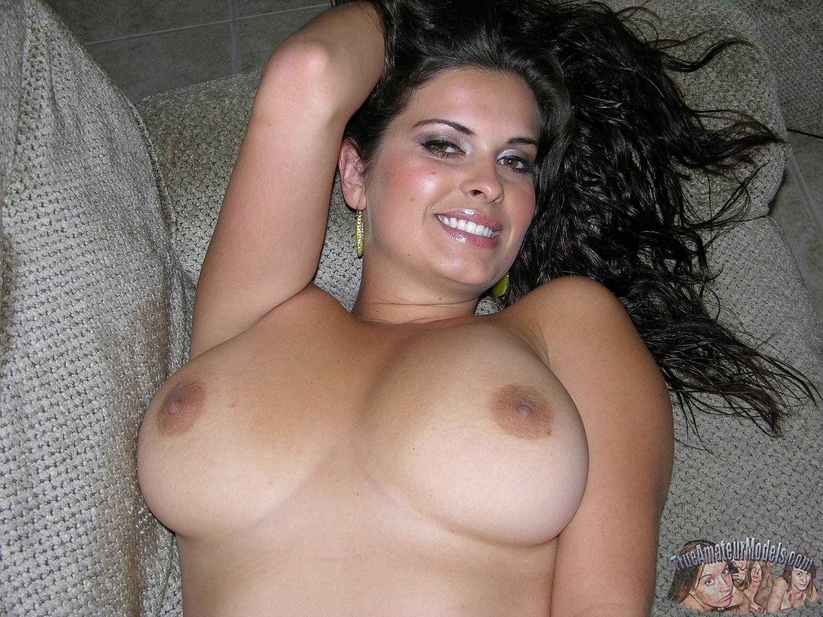 Busty amateur women tits