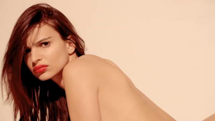 Blurred lines models naked