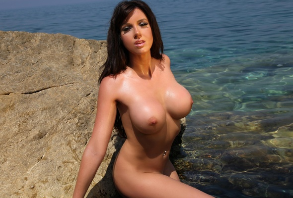 Sexy wet boobs nude