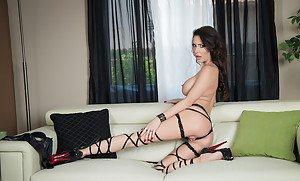 Tori black nude picture