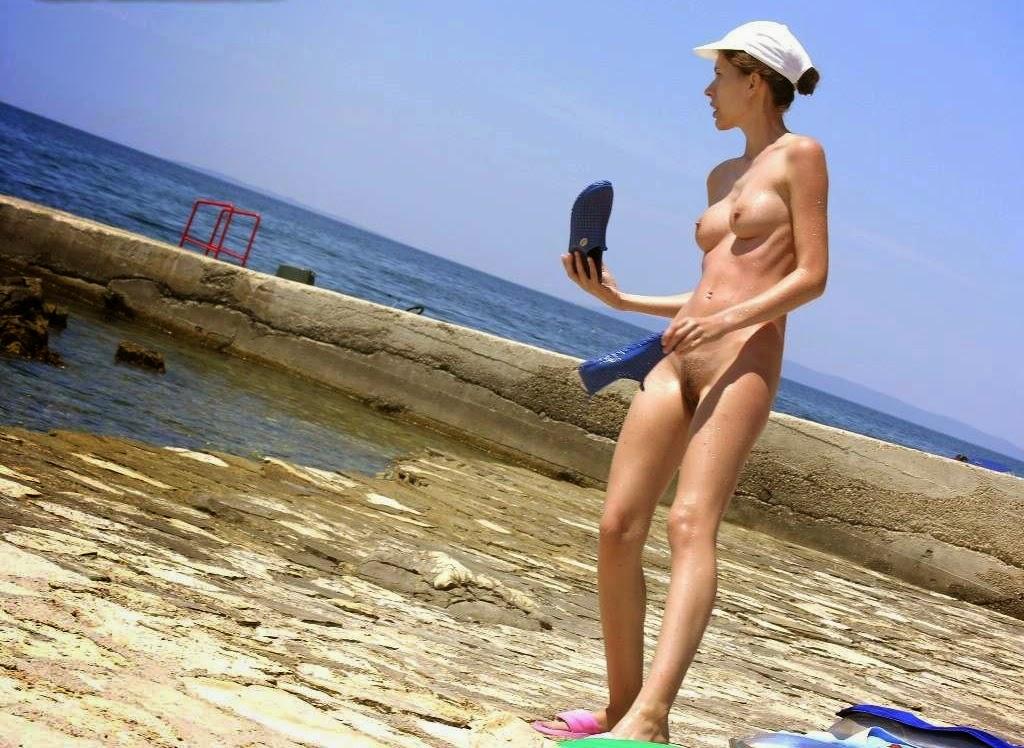Beach nude porn family