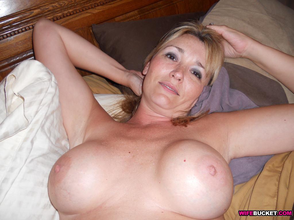 Hot amateur wives blowjobs