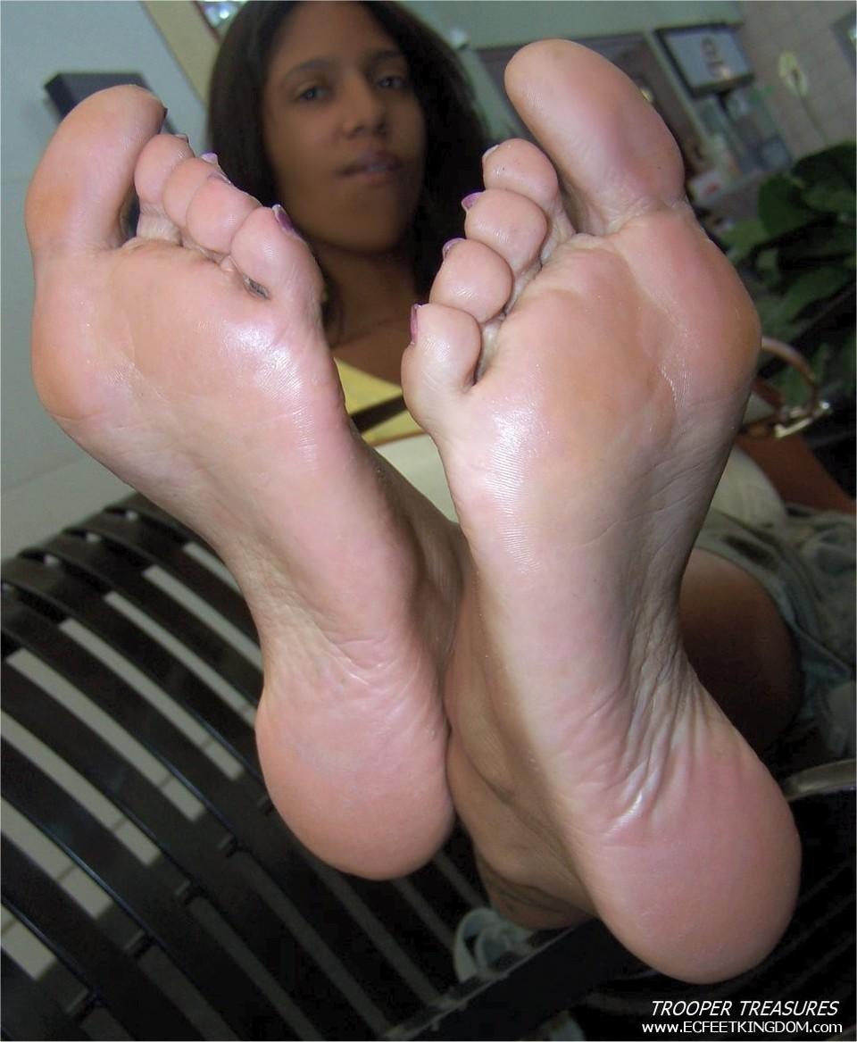 Xxx ebony feet toes pictures