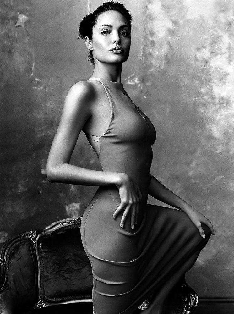 Angelina jolie denny d