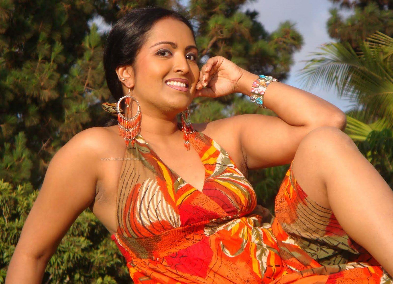 Sri lankan actress boobs. com