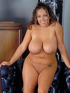 Hot naked voluptuous women