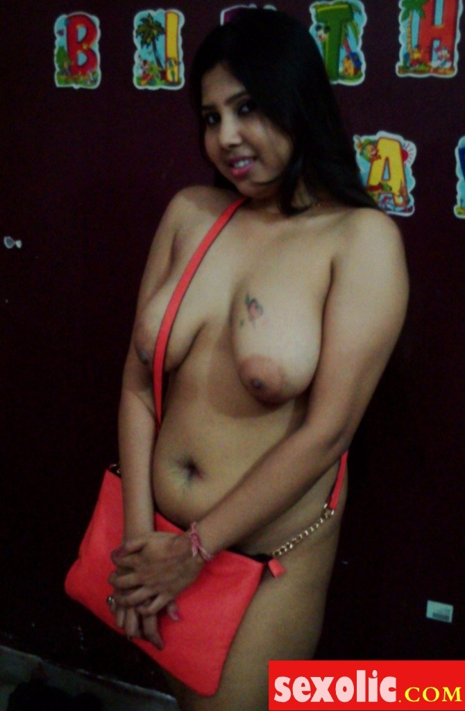 Desi nude boobs real