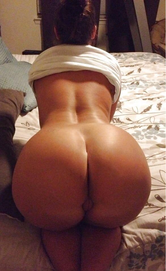 Big ass white girls bent over
