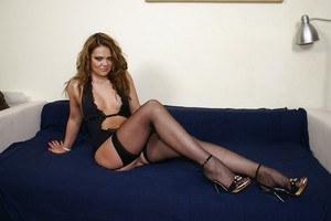 Yvonne strahovski sexy pics free
