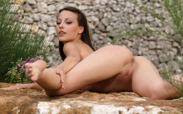 Lorena garcia spread legs