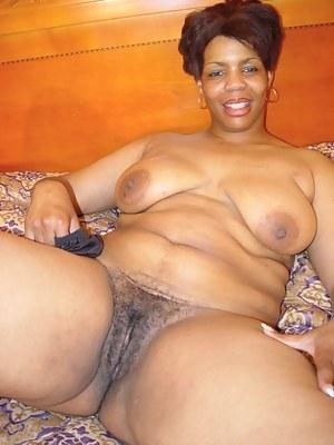 Ebony mature mom pussy gallery