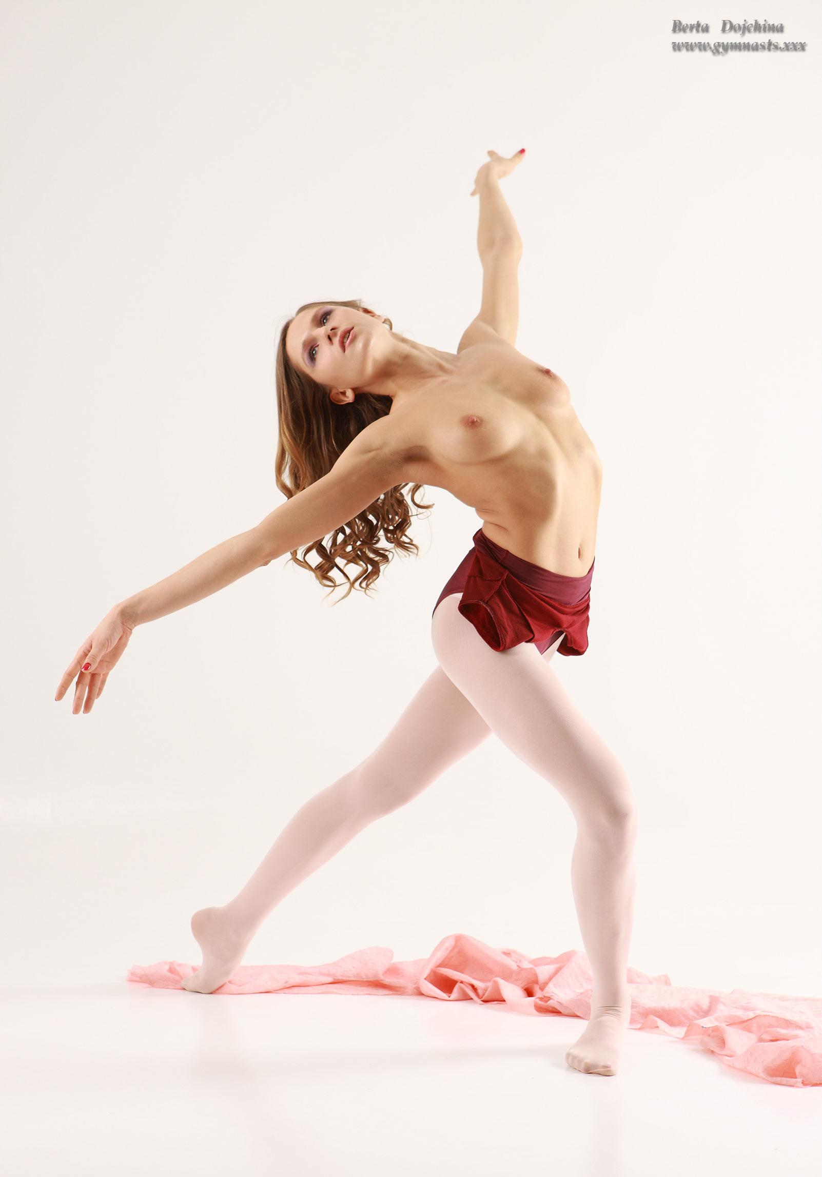 Beautiful ballet dancers nude