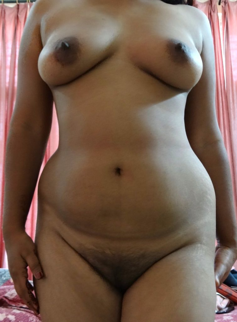 Real aunty back nude
