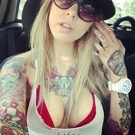 Tattoo blonde nude selfie