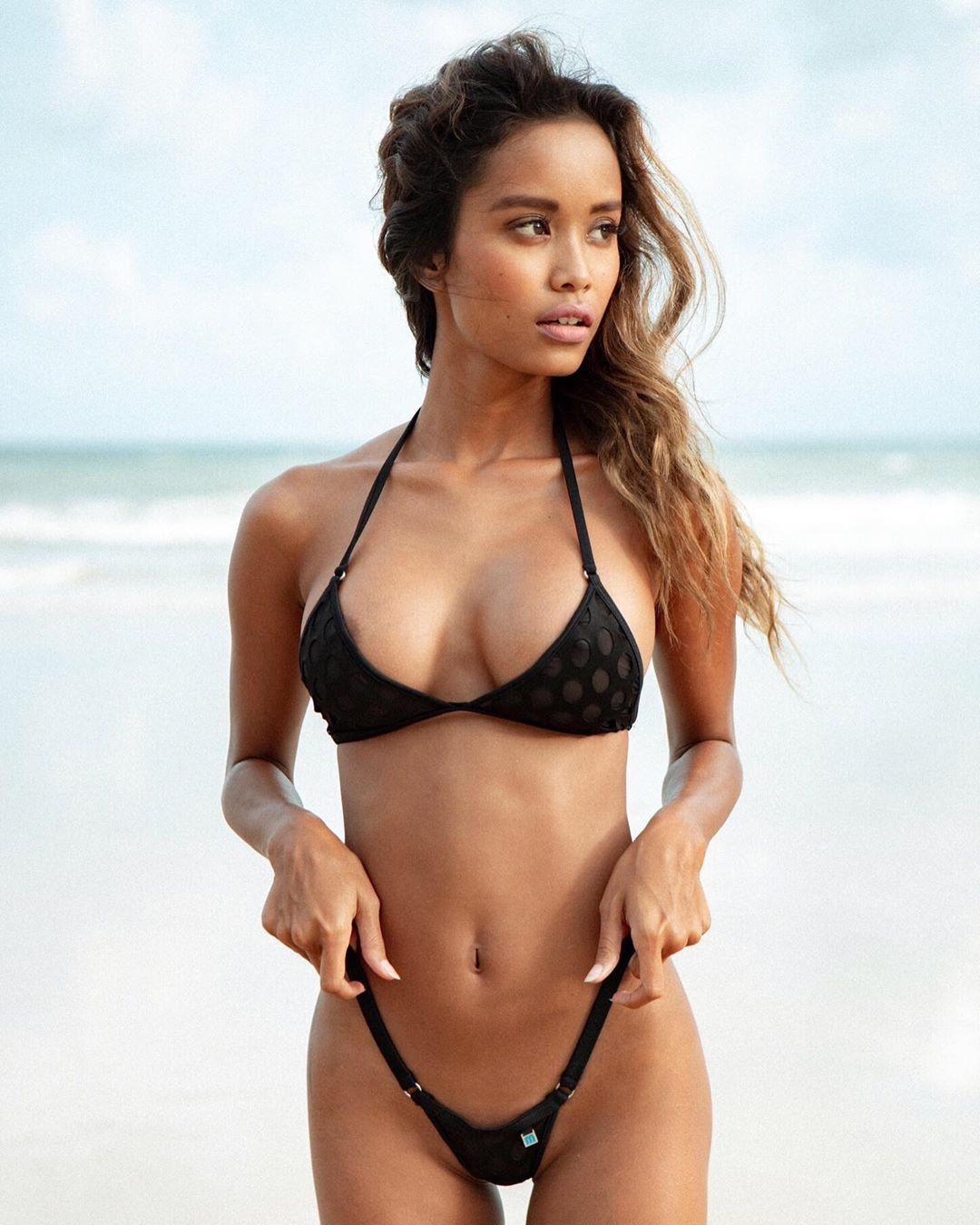 Model naked indo porn