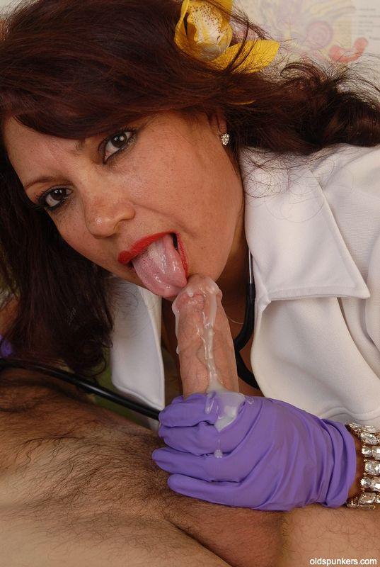 Blow job latina mature