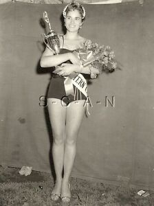Vintage nude beauty contest