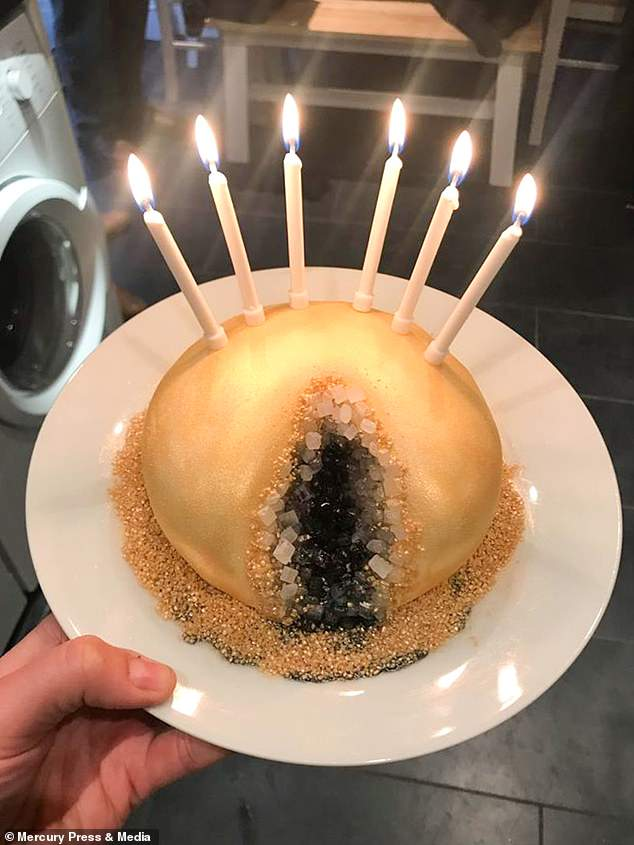 Happy birthday pussy cake