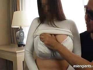 Asian amateur huge breast lactating milk