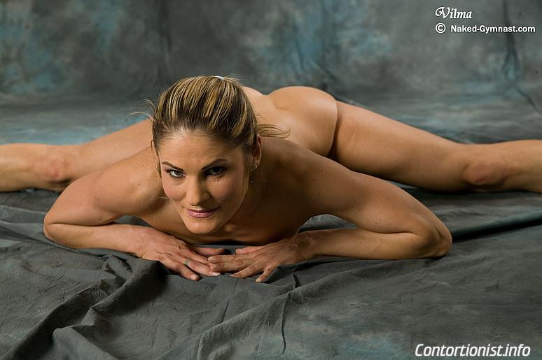 Flexible nude ballerina vilma