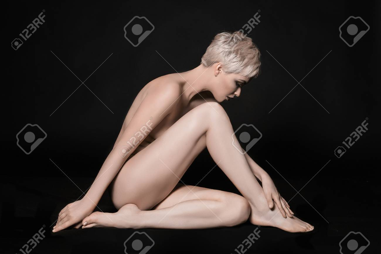 Sexy naked blonde girl legs
