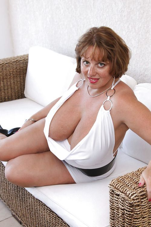 Thick busty voluptuous mature women