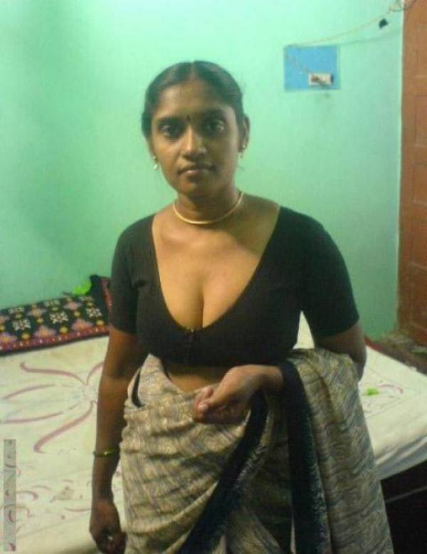 Indian bhabi hot blouse boob photos