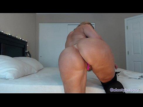 Flashing big ass milf